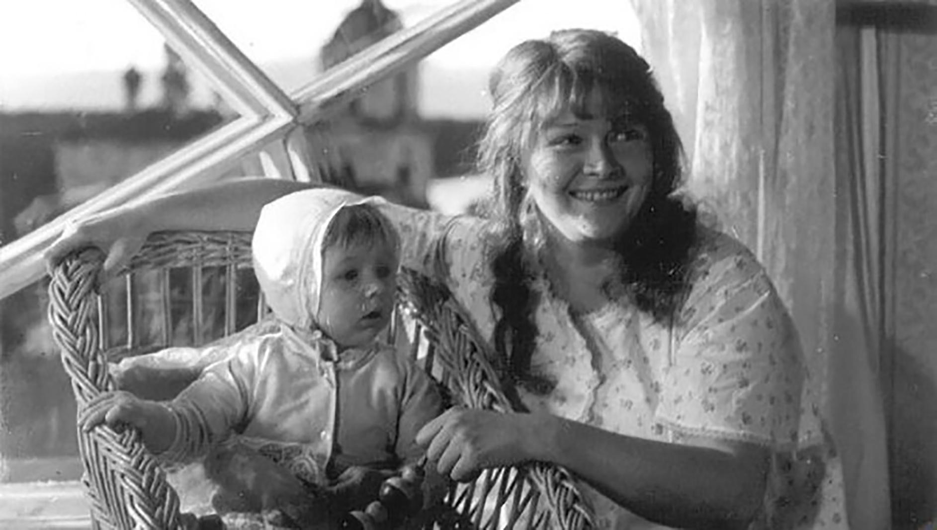 Подборка фильмов ко Дню матери